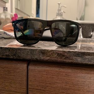 Brand new Black polarized Ray Bans